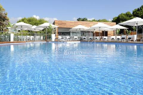 Las Colinas Beach Club